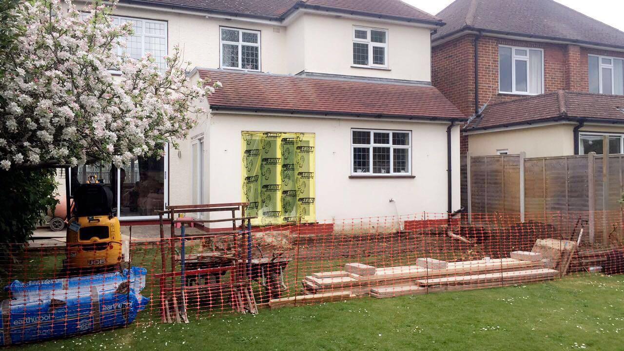 Avebury Avenue – Rear single storey extension with parapet